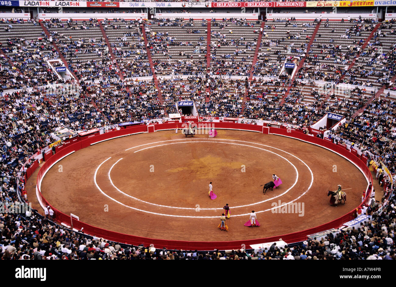 mexico citys bullring celebrates - 990×743