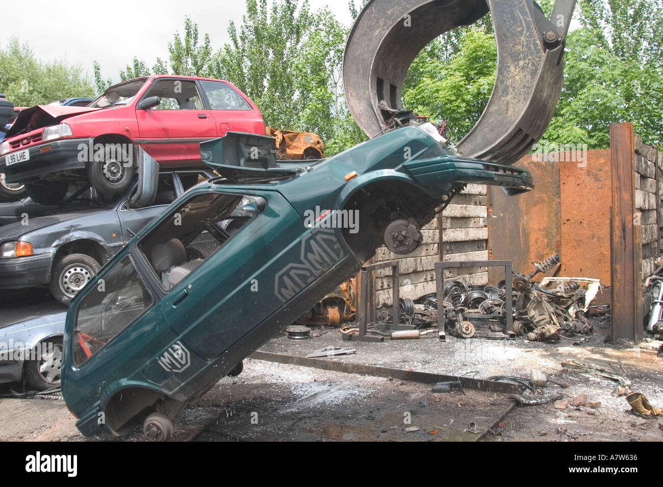 Car being dismantled for recycling - Stock Image