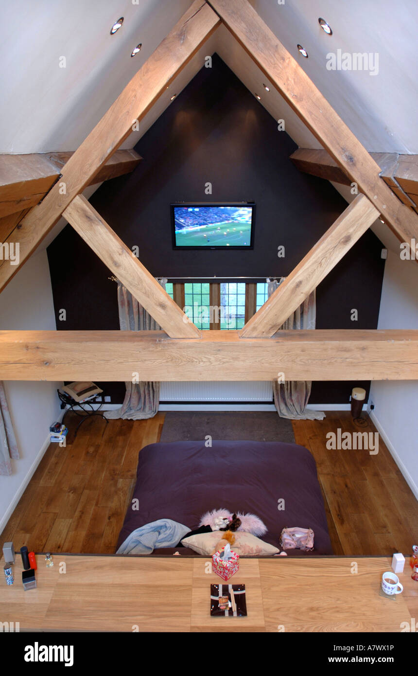 Vaulted Ceiling In Attic Bedroom Stock Photos & Vaulted Ceiling In on