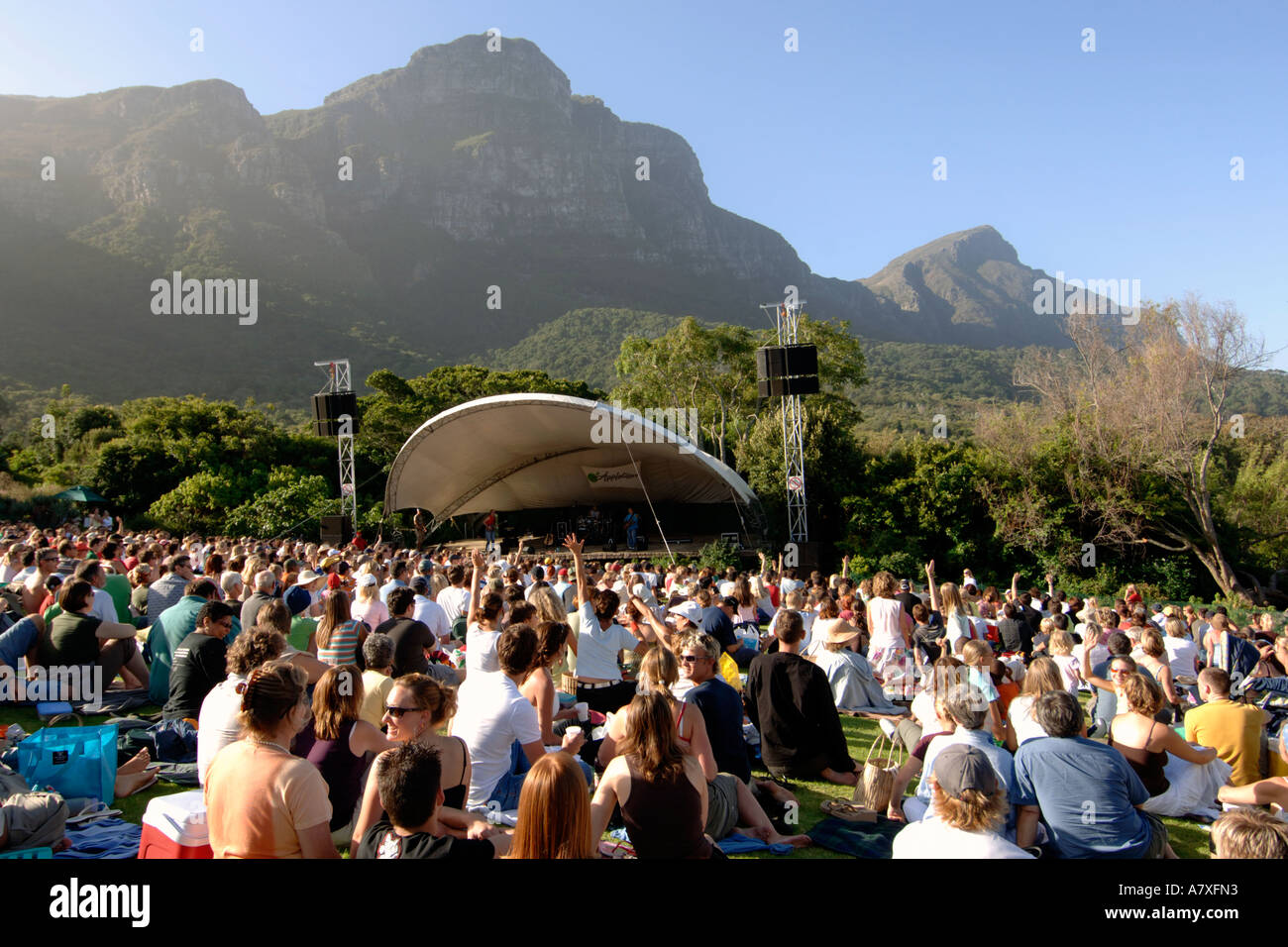 Crowds watching Karen Zoid perform at the Kirstenbosch summer concerts amphitheatre in Cape Town - Stock Image