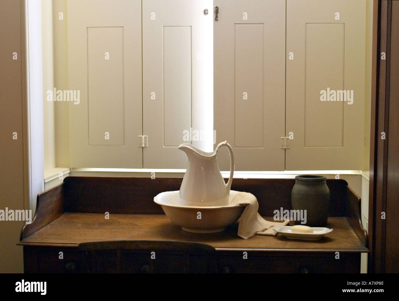 ILLINOIS Springfield Old State Capitol statehouse from 1839 to 1876 wash basin pitcher desk shutter - Stock Image