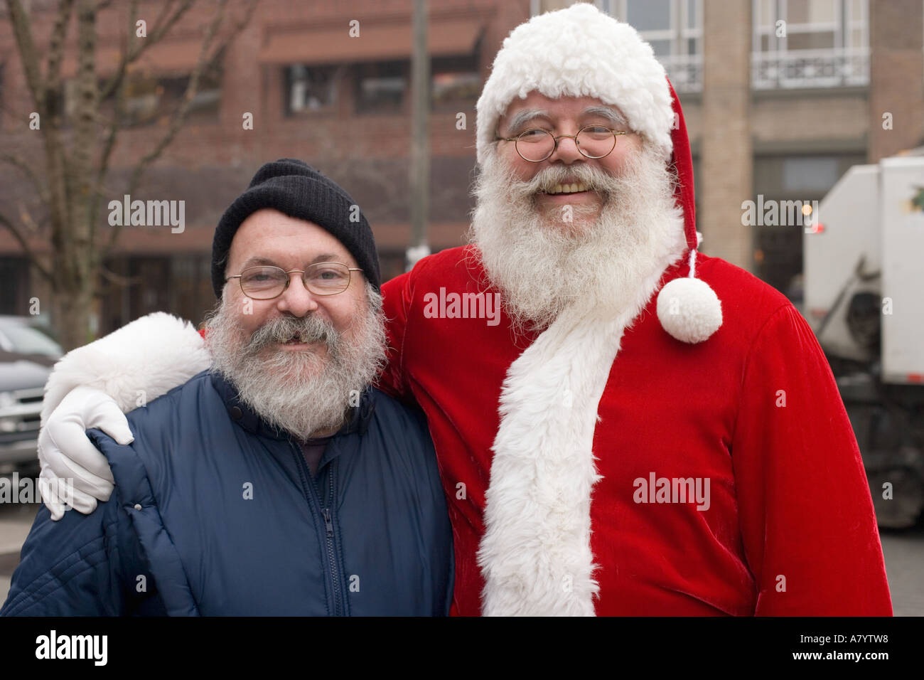 Santa Claus finds his long lost brother in Seattle - Stock Image