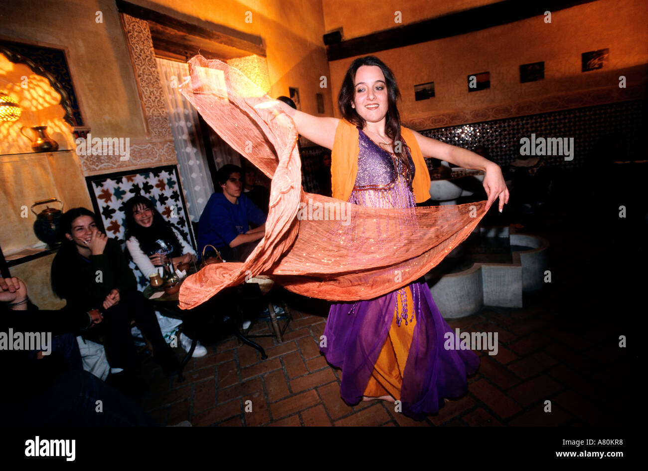 Spain, Andalusia, Granada, Turkish baths, belly dancer at the teteria (tearoom) in the Arab Arab District of Albayzin Stock Photo