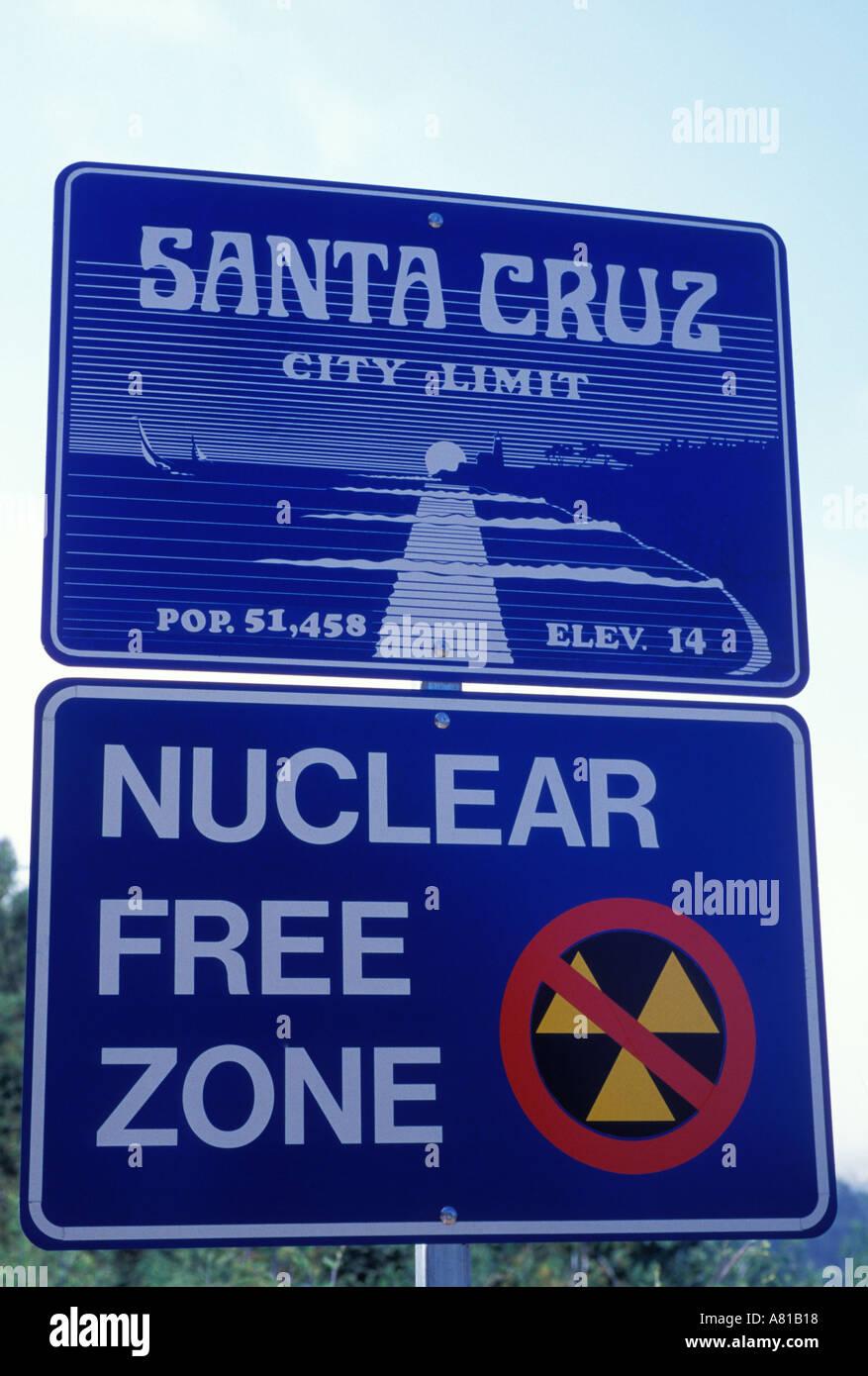 California Santa Cruz Nuclear Free Zone road sign - Stock Image