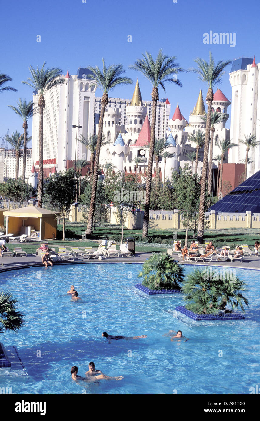 United States Nevada Las Vegas City The Luxor Swimming Pool With Stock Photo 6833919 Alamy