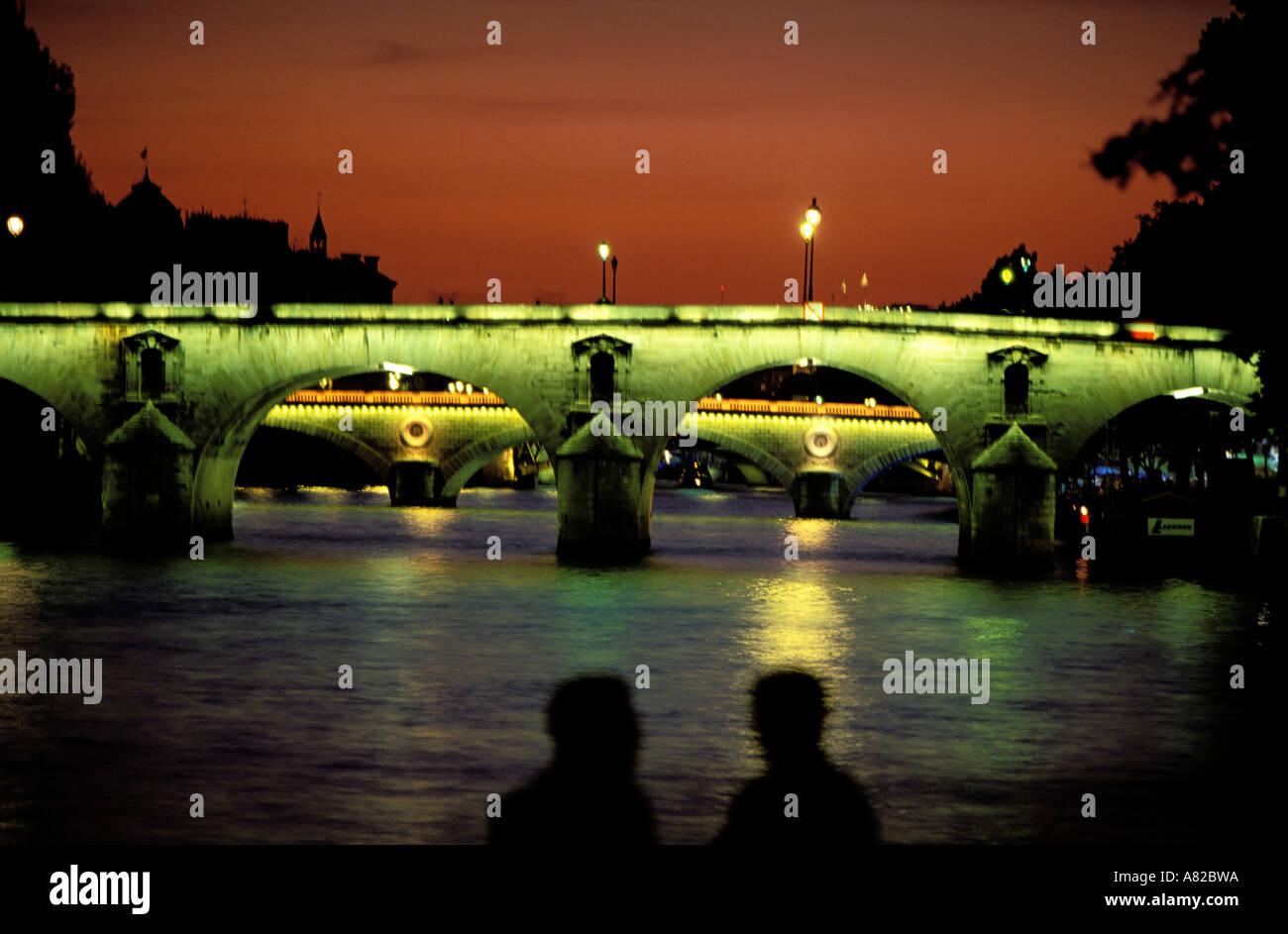 FRANCE PARIS 75 PONT MARIE BRIDGE AT NIGHT - Stock Image