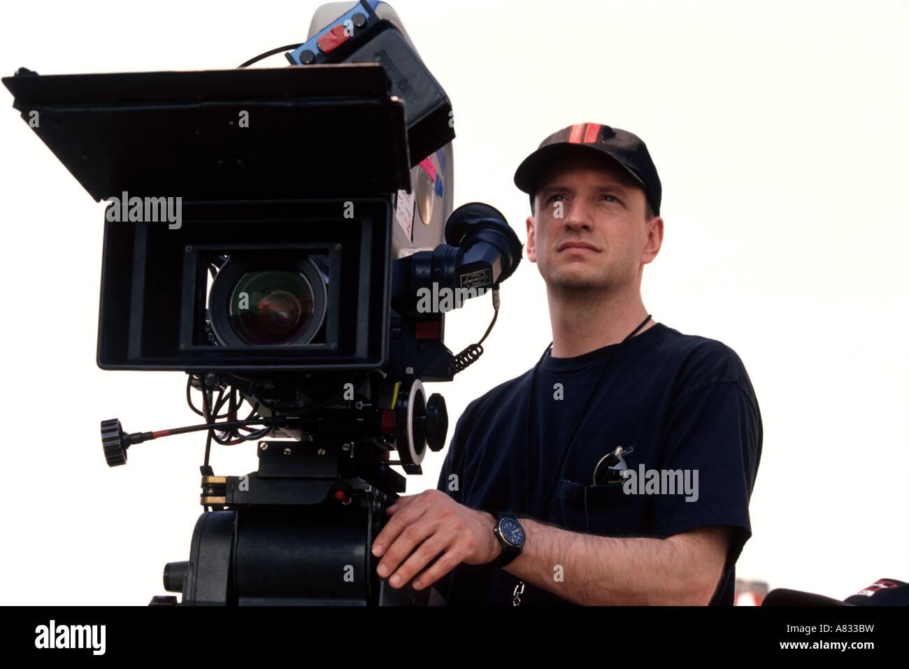 STEVEN SODERBERGH -  US film director on set of Warner's Oceans 11 in 2001 - Stock Image