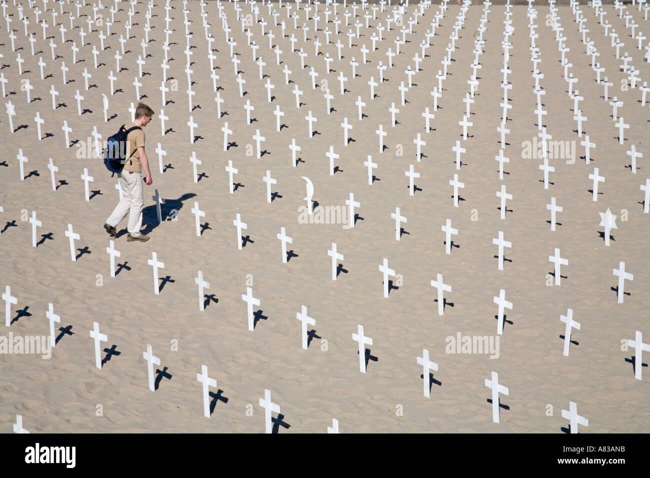 Arlington West Anti War Memorial Santa Monica Los Angeles California United States of America Protesting the war in Iraq - Stock Image