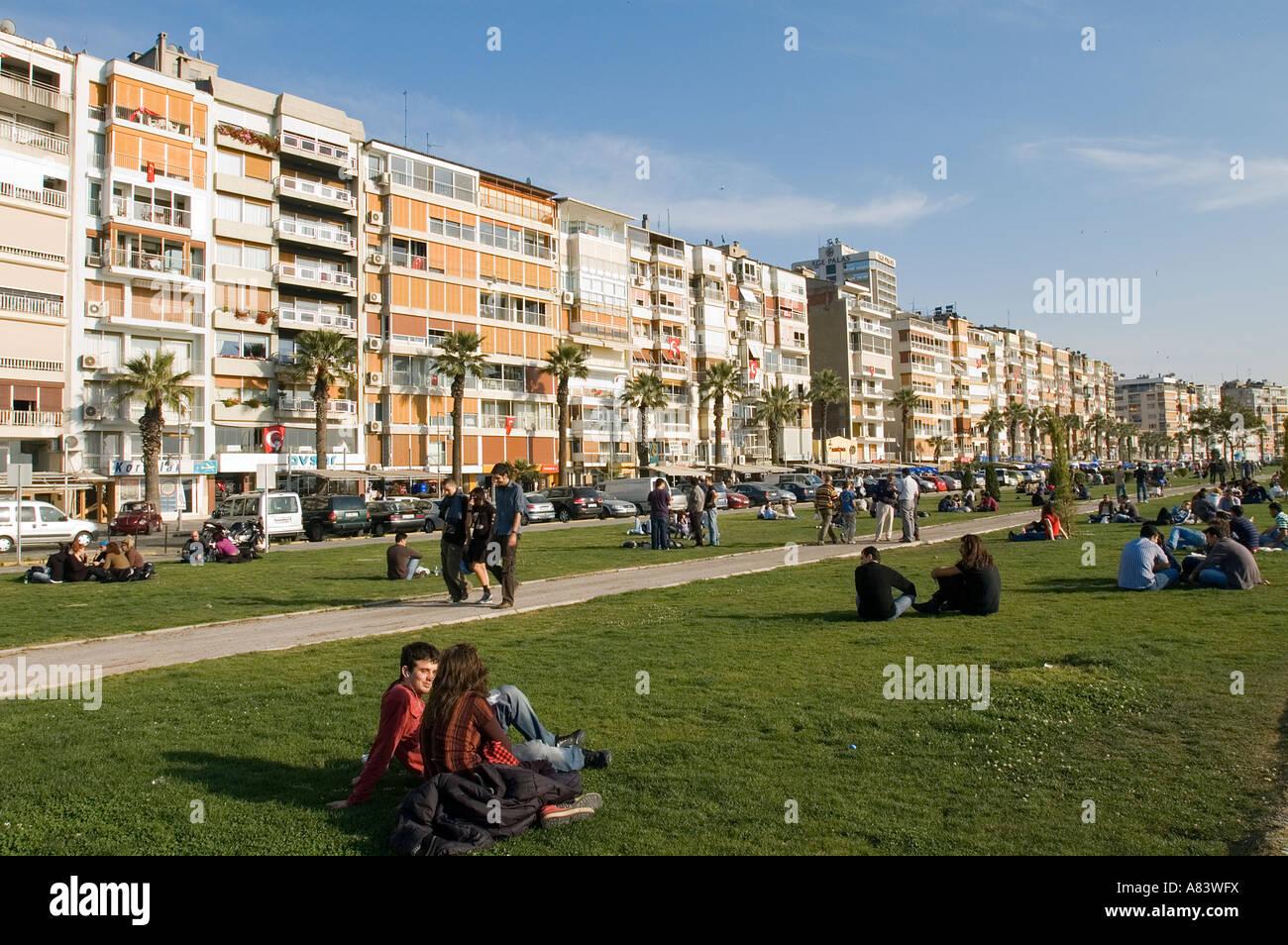 People At Leisure In Coastal Park Of Kordon Izmir Stock Photo Alamy