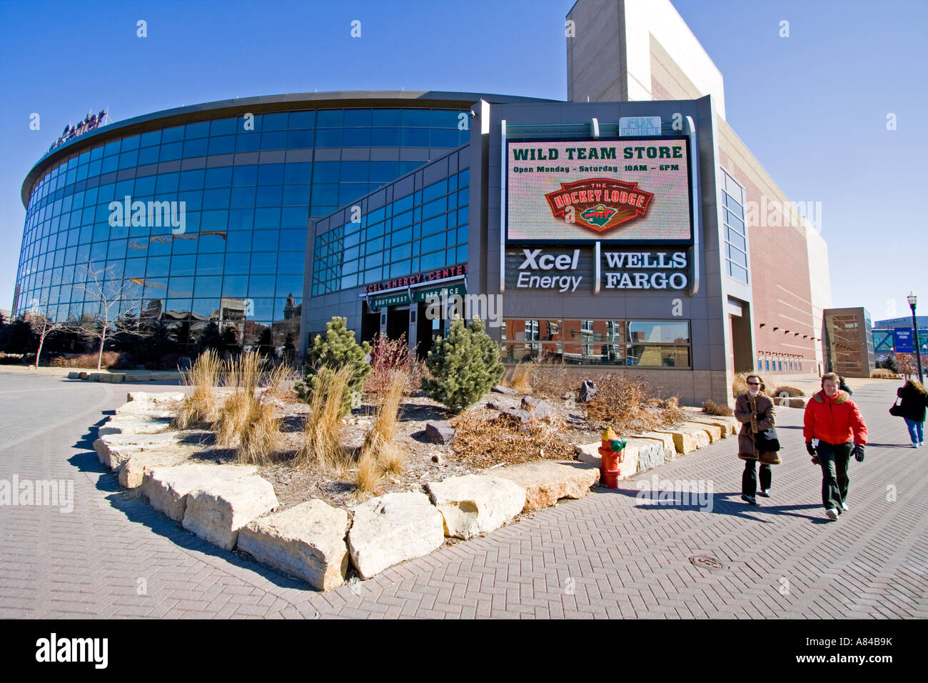 Xcel Energy Center Stock Photos & Xcel Energy Center Stock Images ...