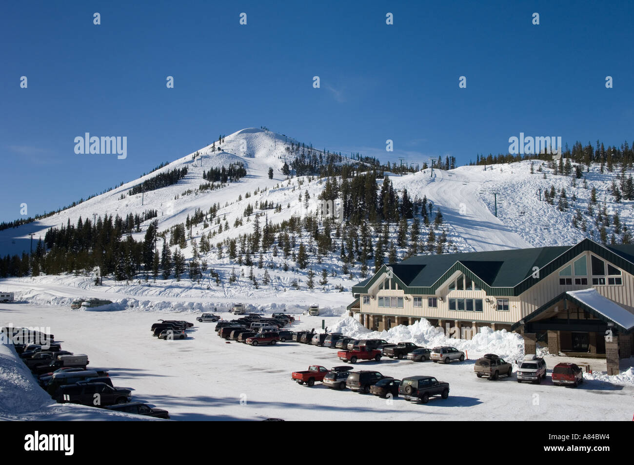hoodoo ski area lodge and parking lot at hoodoo mountain resort