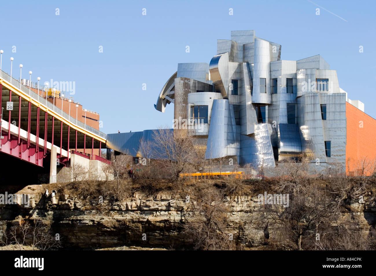 Frederick R. Weisman Art Museum architect Frank Gehry University of Minnesota Campus. Minneapolis Minnesota USA - Stock Image