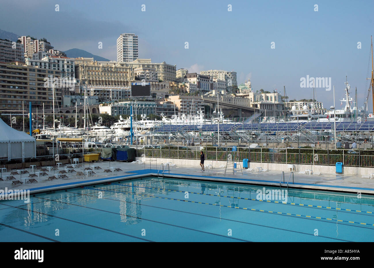 Monaco's famous swimming pool by the Grand Prix track and harbour, Port Hercule, Monaco-Ville, Monaco - Stock Image