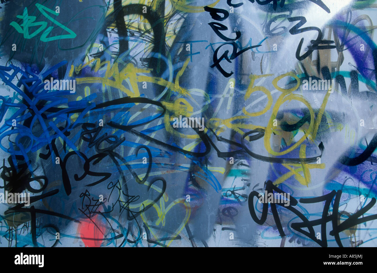 GRAFFITTI PAINT IN URBAN WALL - Stock Image