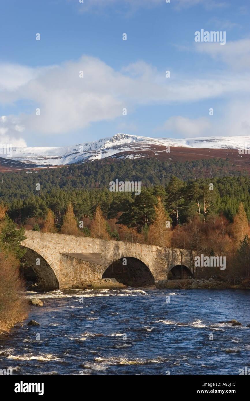 IA 93 Braemar; Invercauld Bridge across the River Dee, looking towards the old Brig o' Dee, Aberdeenshire, Scotland, Stock Photo