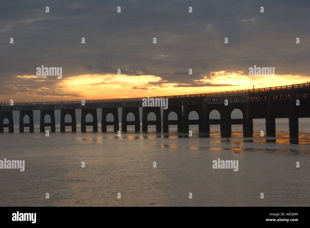 Sunset over The Tay Railway Bridge Dundee, Tayside, Scotland, uk - Stock Image