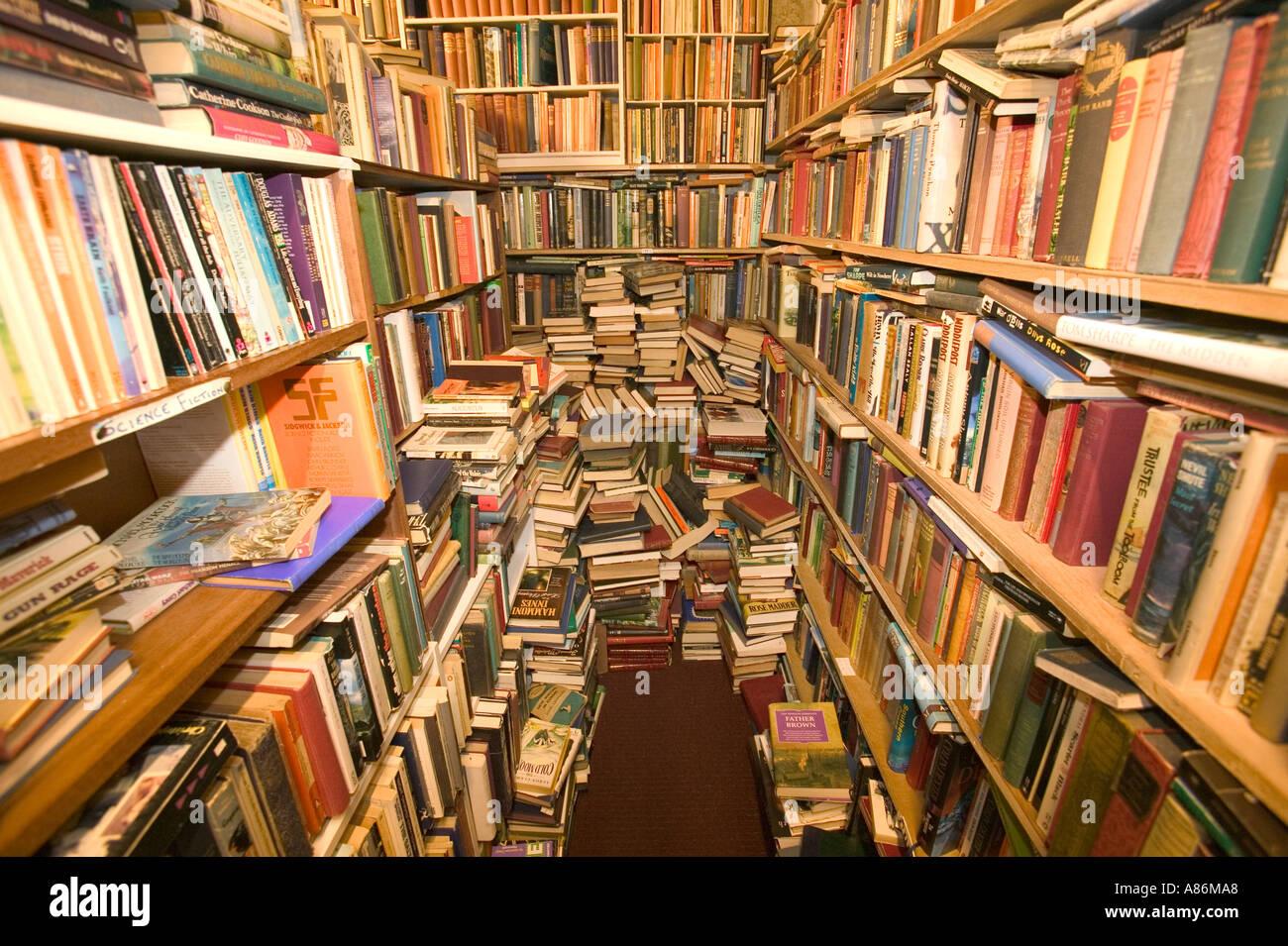 secondhand bookshop in Kirkudbright - Stock Image