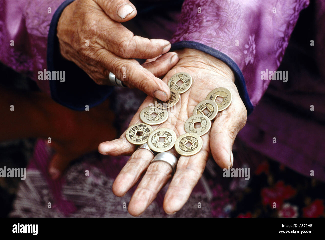 Mongolia a fortune teller in the Khoevsgoel province - Stock Image