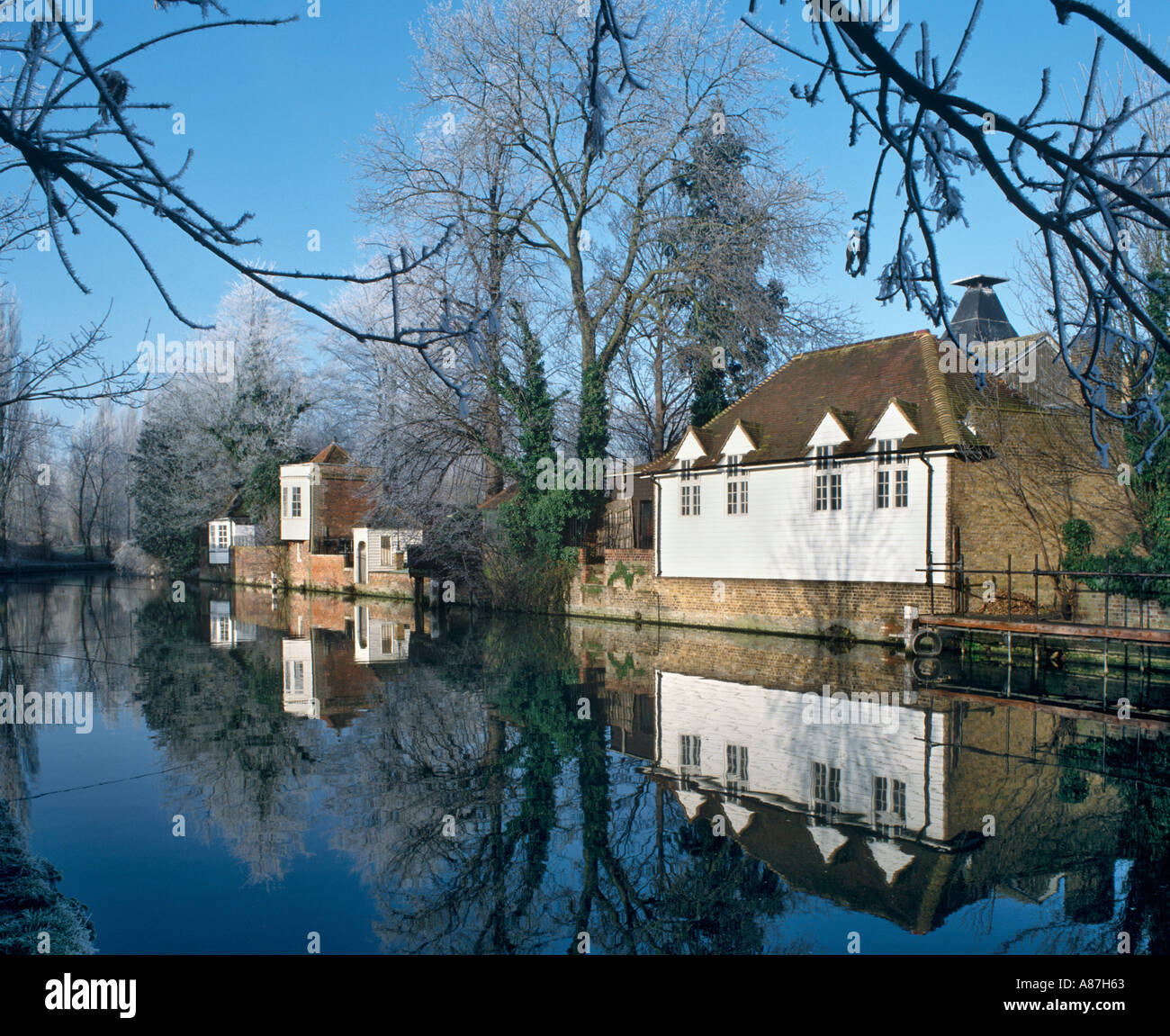 River Lea on a frosty winter morning, Ware, Hertfordshire, United Kingdom - Stock Image