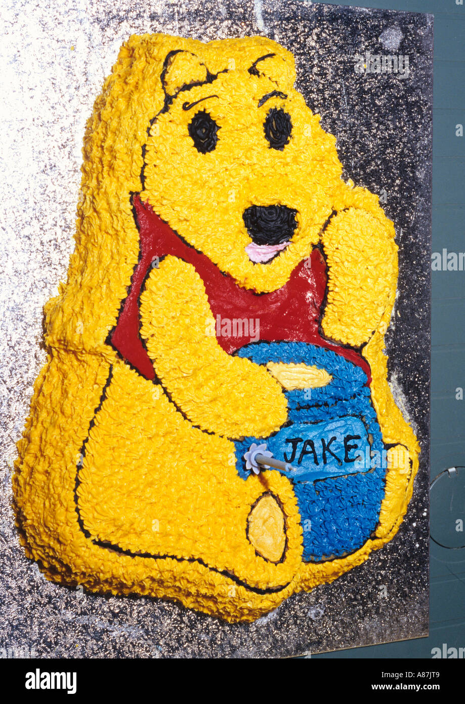 Stupendous Winnie The Pooh Birthday Cake In The Uk Stock Photo 6865160 Alamy Funny Birthday Cards Online Necthendildamsfinfo