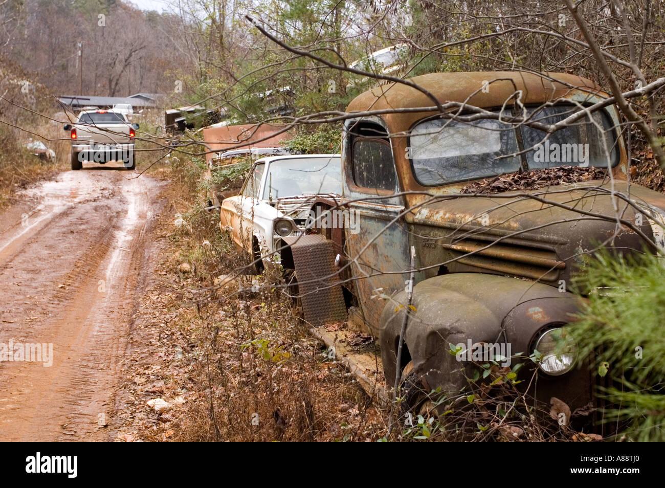 Sonnys Junk Yard, Blaine, Tennessee Stock Photo: 6871583 - Alamy