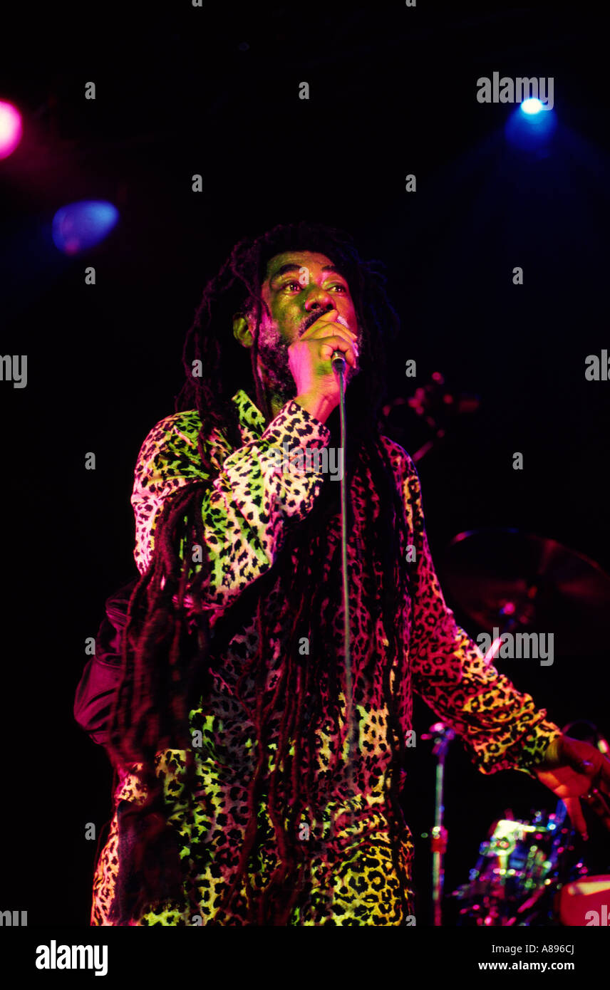 JOHNNY CLARKE singing live at the essential festival 2002 - Stock Image