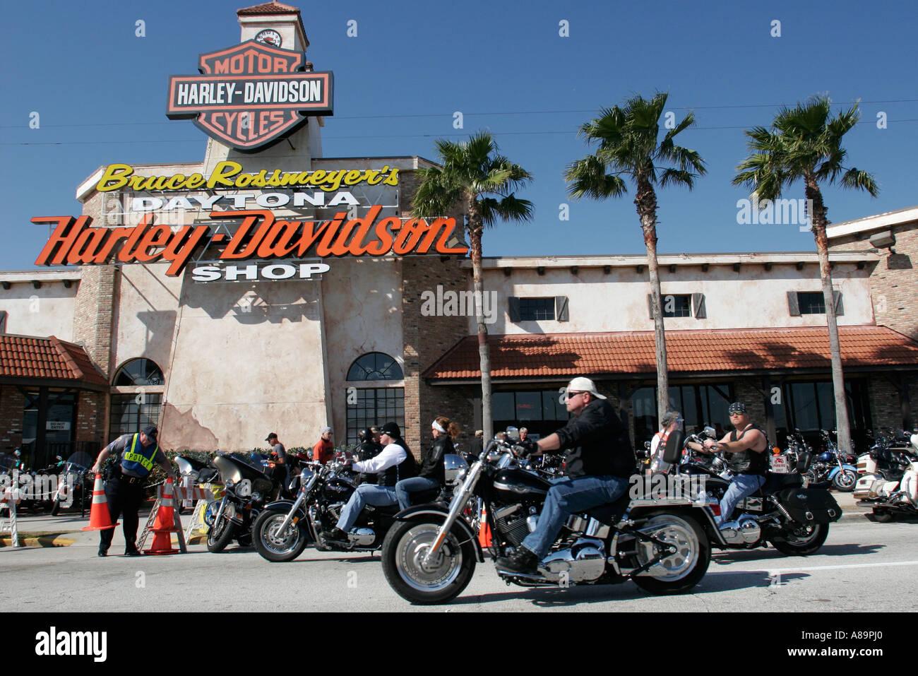Harley Davidson Dealers In Florida >> Daytona Beach Florida Beach Street Bike Week Harley Davidson Dealer