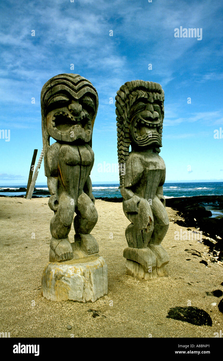 Hawaii Big Island Place of Refuge Natl Park Religious figures - Stock Image
