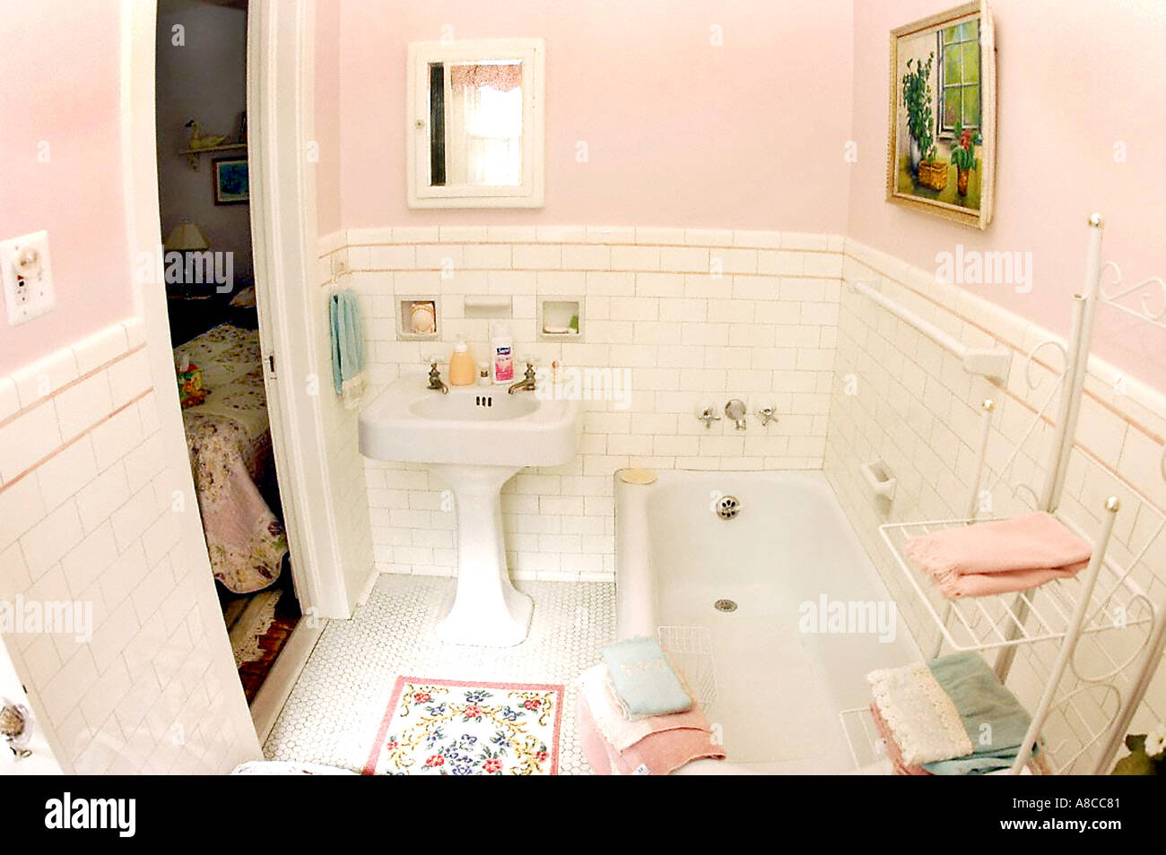 Usa American Bathtub Stock Photos & Usa American Bathtub Stock ...