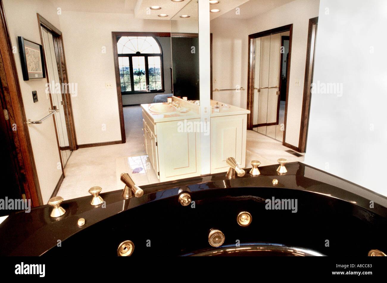 PITTSBURGH PA USA Whirlpool Bath Tub In Custom Bathroom Single - Bathroom stores in pittsburgh pa
