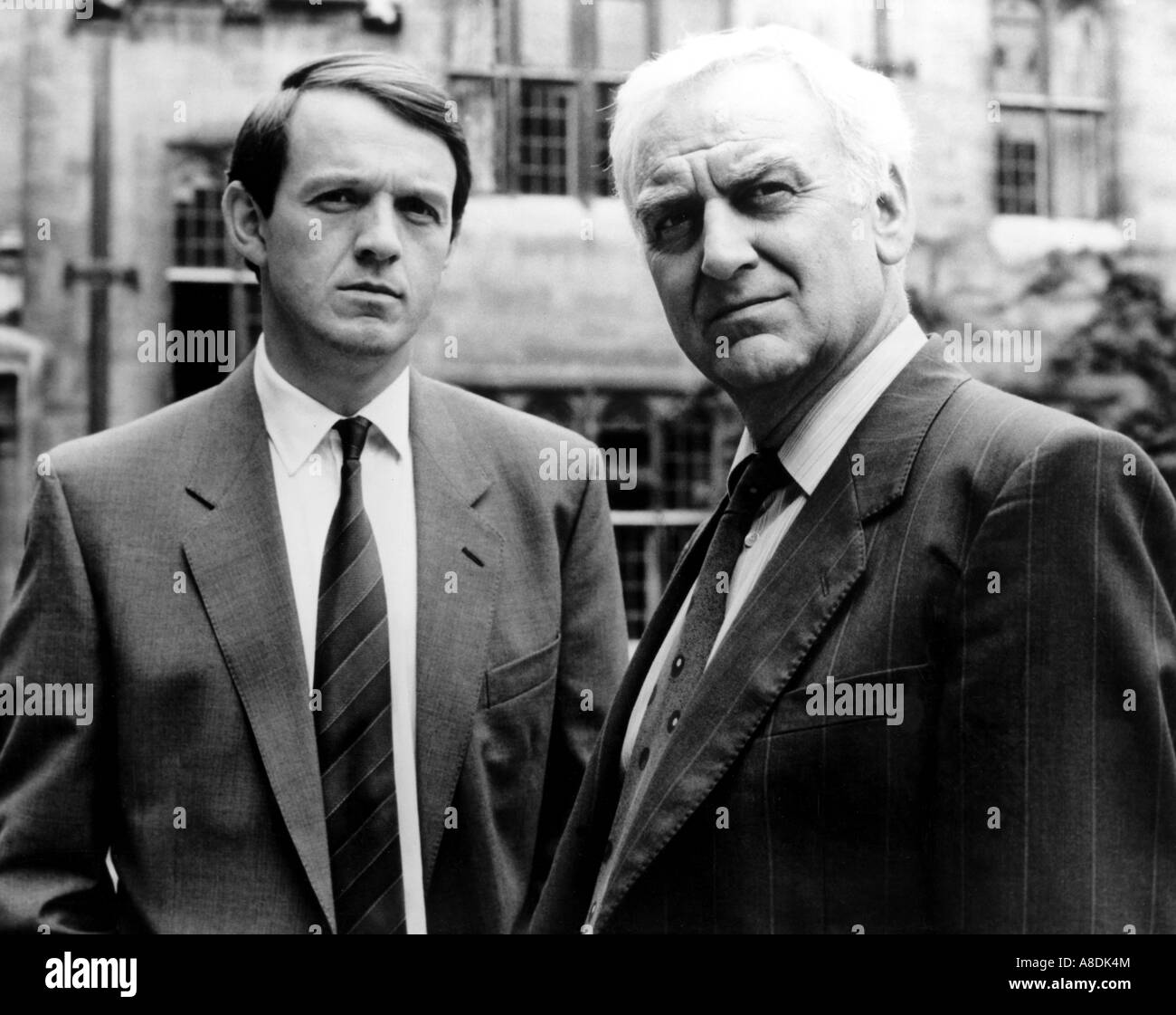 INSPECTOR MORSE - UK ITV series 1987 to 2000 with Kevin Whately at left as Dec Sgt Lewis and John Thaw as Chief - Stock Image