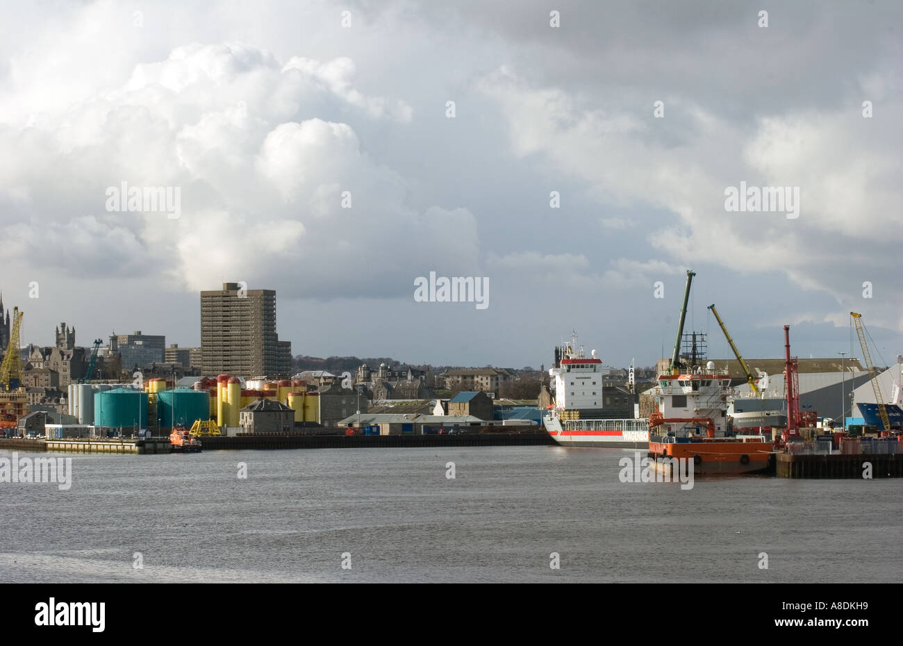 Unusual Cloud Formation at Aberdeen Harbour and docks, with the City Centre Beyond, Aberdeenshire, Scotland uk - Stock Image