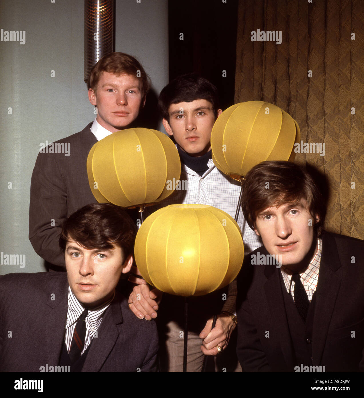 SEARCHERS - UK pop group in 1965 clockwise from top left John McNally, Frank Allen, Chris Curtis and Mike Pender - Stock Image