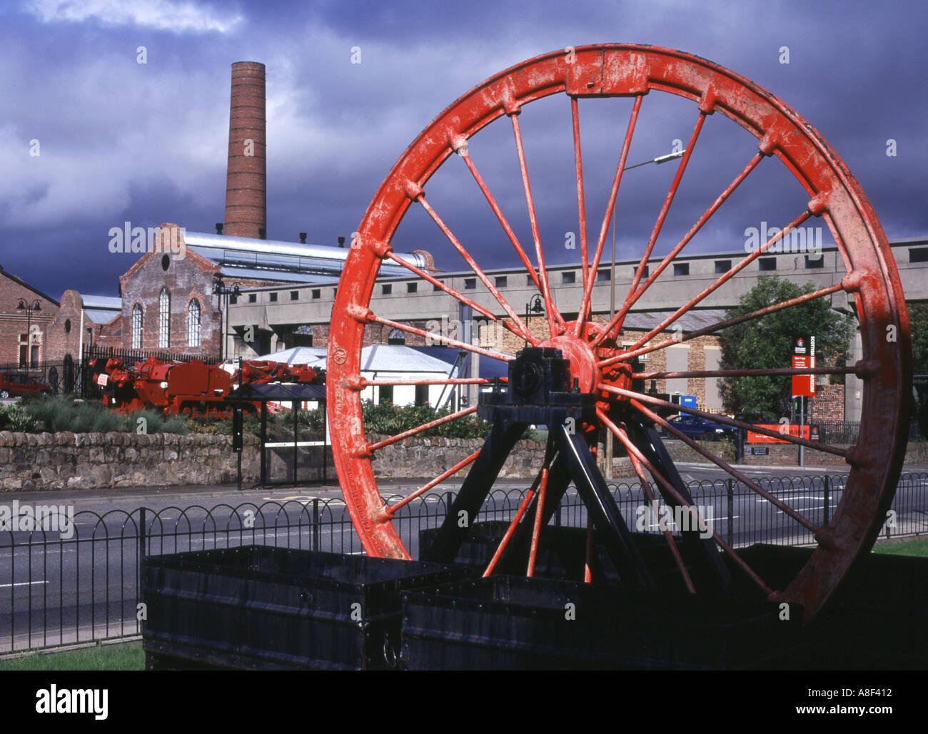 dh Scottish Mining Museum NEWTONGRANGE LOTHIAN Colliery buildings coal scotland historical mine pithead wheel history Stock Photo