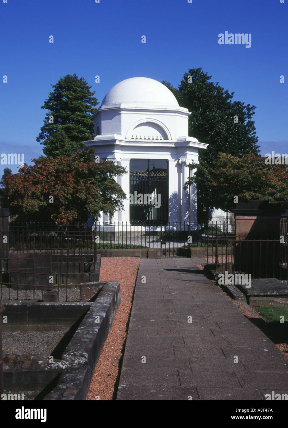 dh St Michaels and South church DUMFRIES GALLOWAY Robert Burns Poets neoclassical mausoleum graveyard cemetery Stock Photo