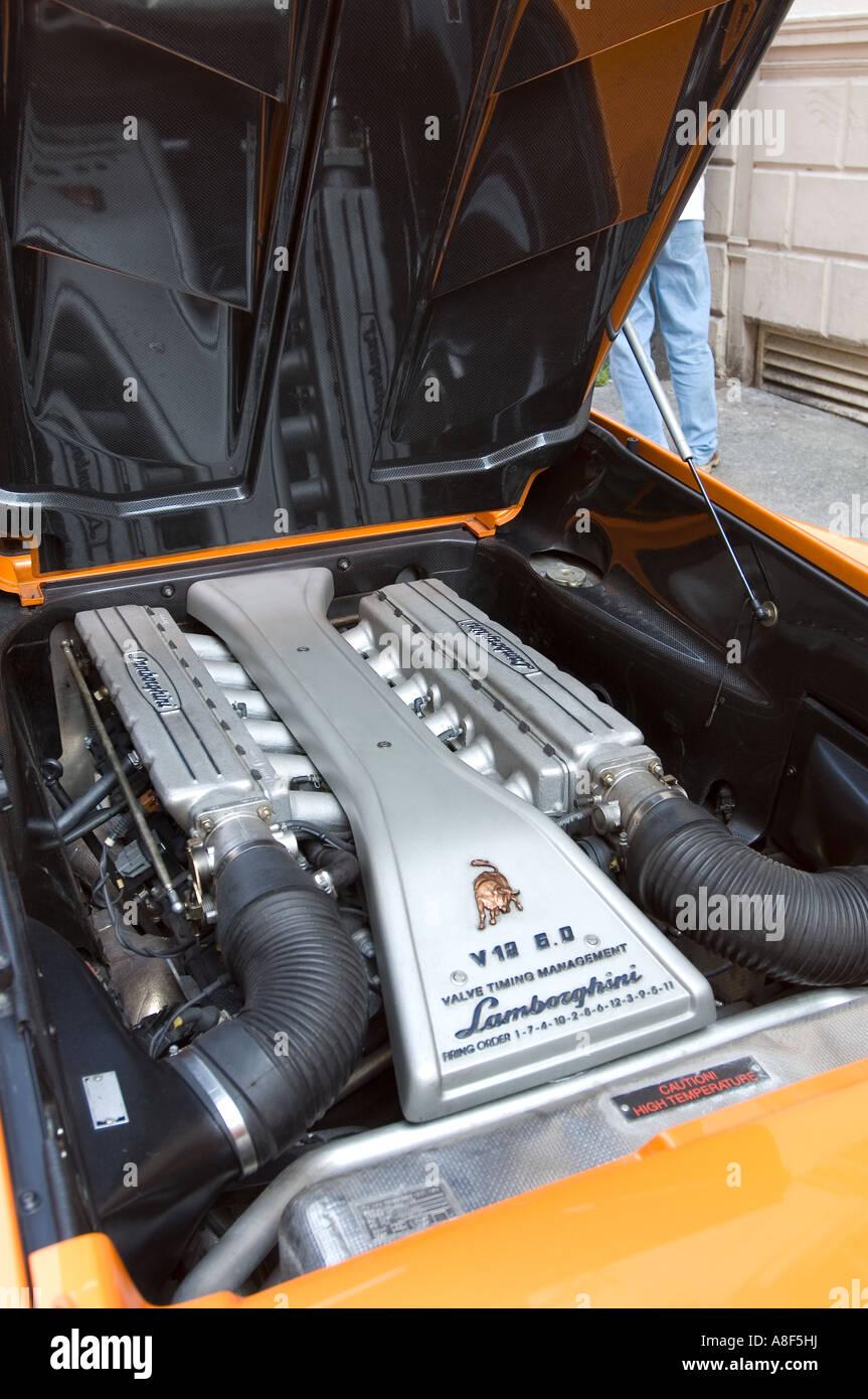 Lamborghini Diablo Engine Bay Stock Photo 12084893 Alamy