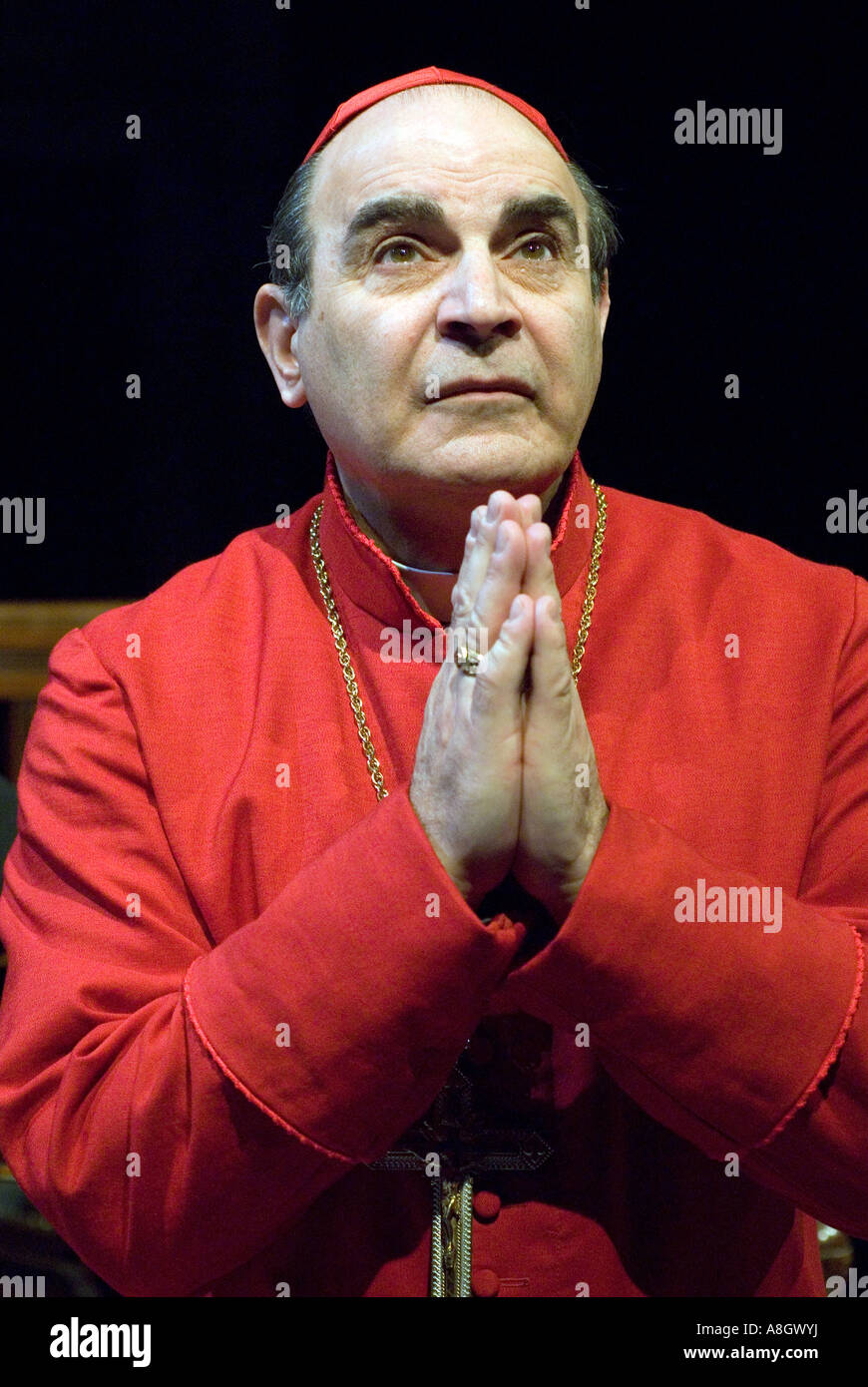 David Suchet playing Cardinal Benelli in The Last Confession Chichester Festival Theatre - Stock Image