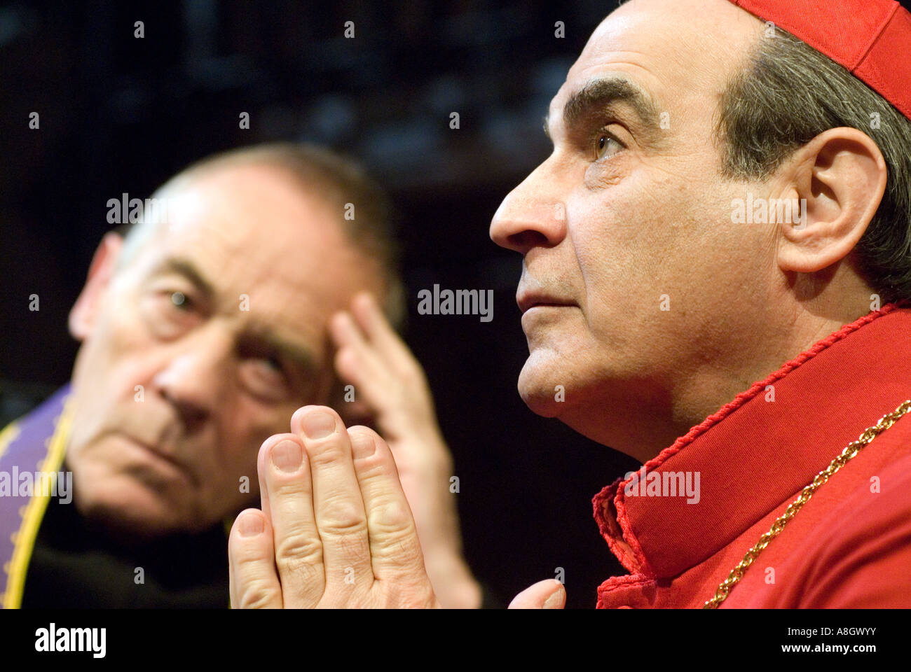 David Suchet playing Cardinal Benelli and Michael Jayston as The Confessor in The Last Confession Chichester Festival - Stock Image
