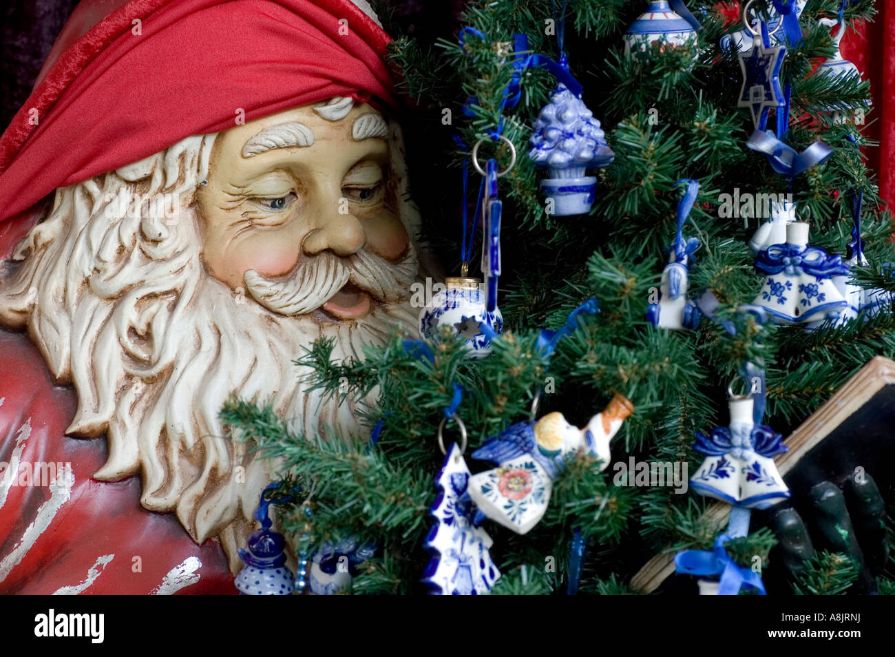 Christmas decorations at the all year round shop in Amsterdam\'s ...