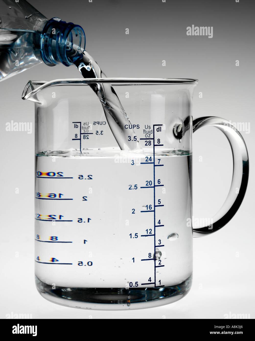 Pouring Into Measuring Jug Stock Photo 6926693 Alamy