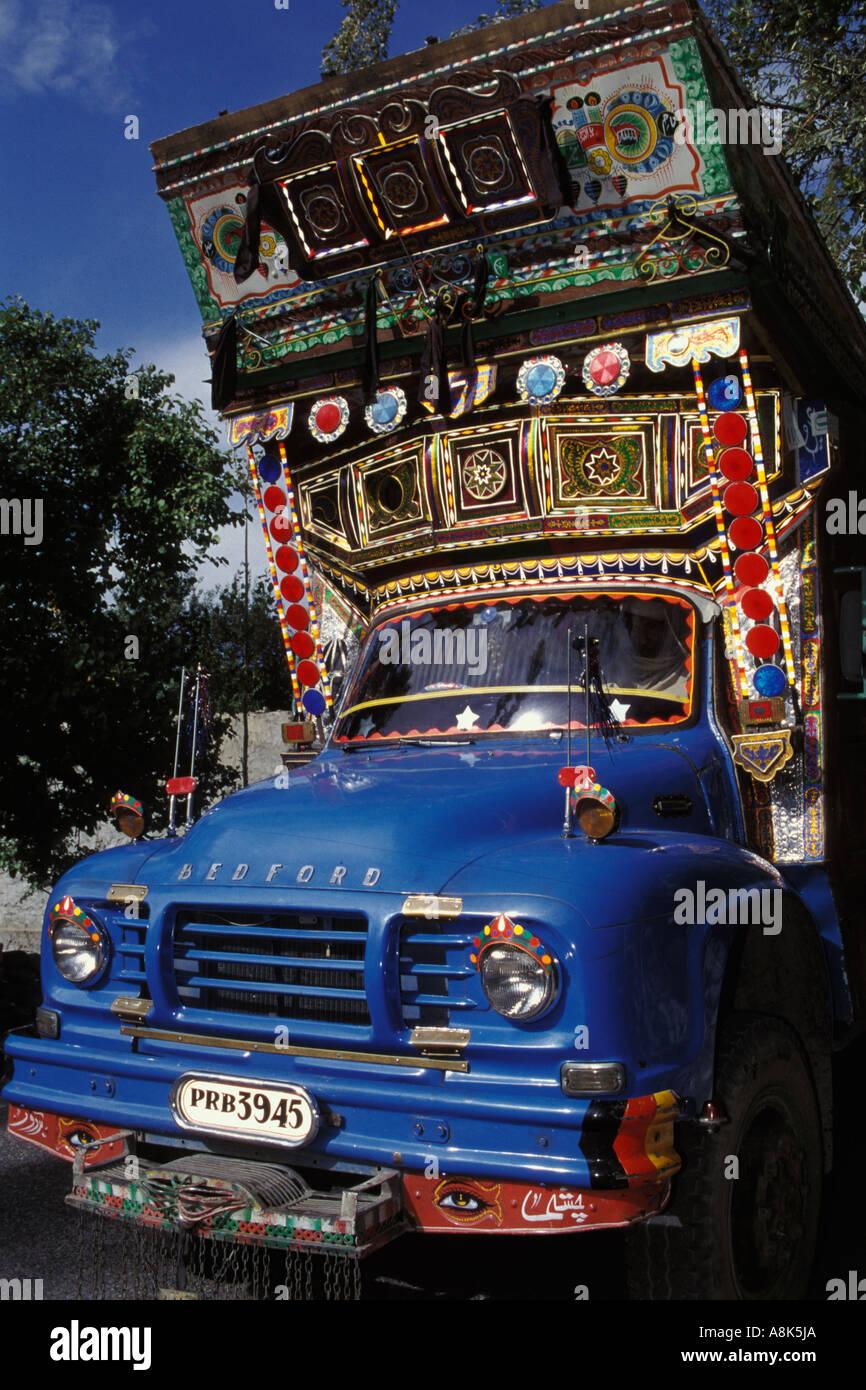 Pakistan, Decorated truck on KKH near Aliabad - Stock Image