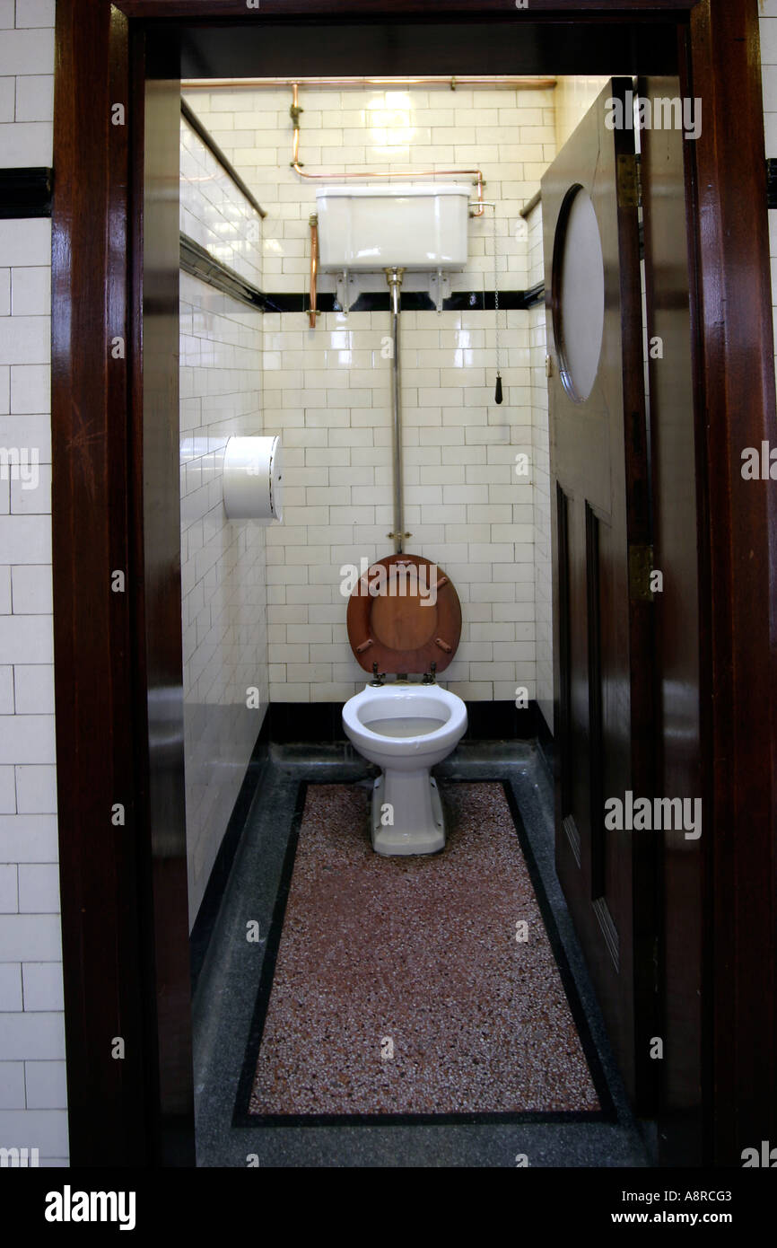 Old Toilet Cubicle Stock Photos Amp Old Toilet Cubicle Stock