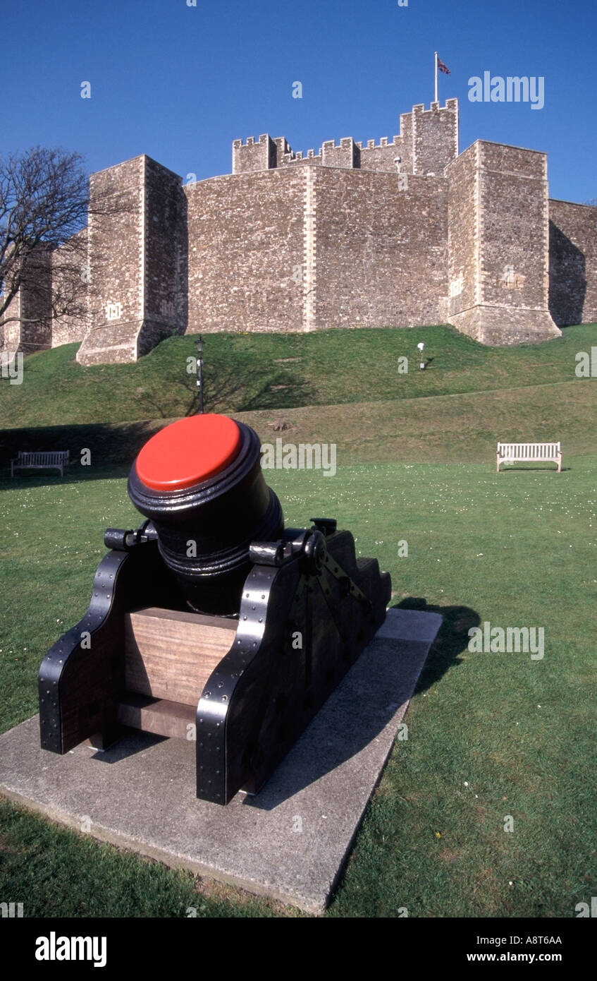 Dover Castle with cannon Stock Photo