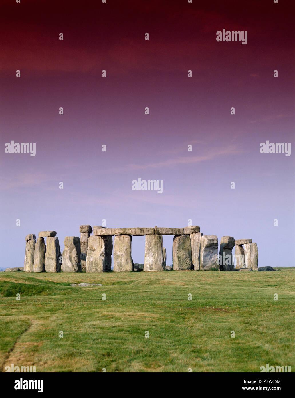 England. Wiltshire. Stonehenge prehistoric standing stones circle. Stock Photo