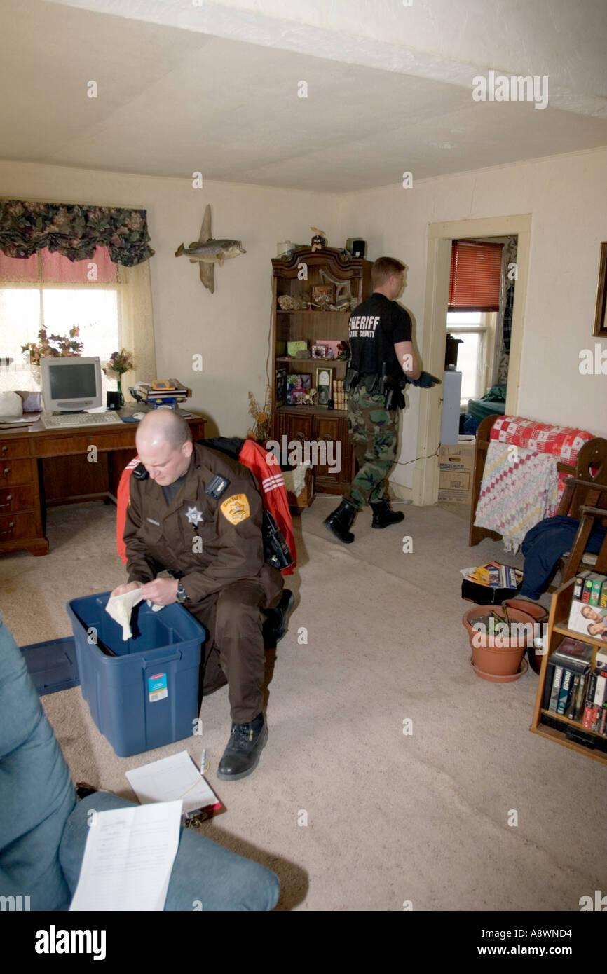 sheriffs deputies fired dozens - HD866×1390