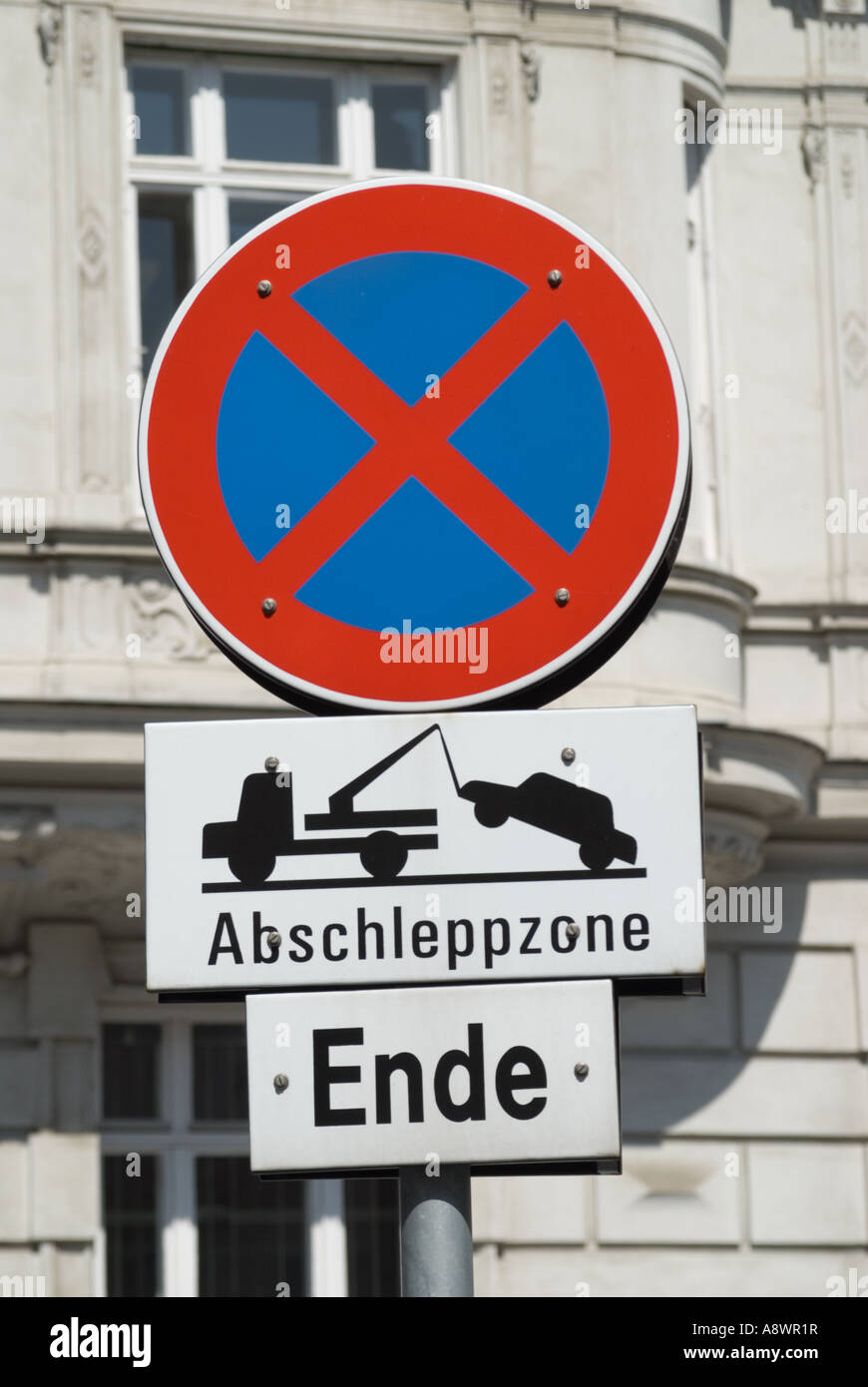 Vienna, Austria. Road Sign: 'No Stopping -End of Tow away zone' - Stock Image