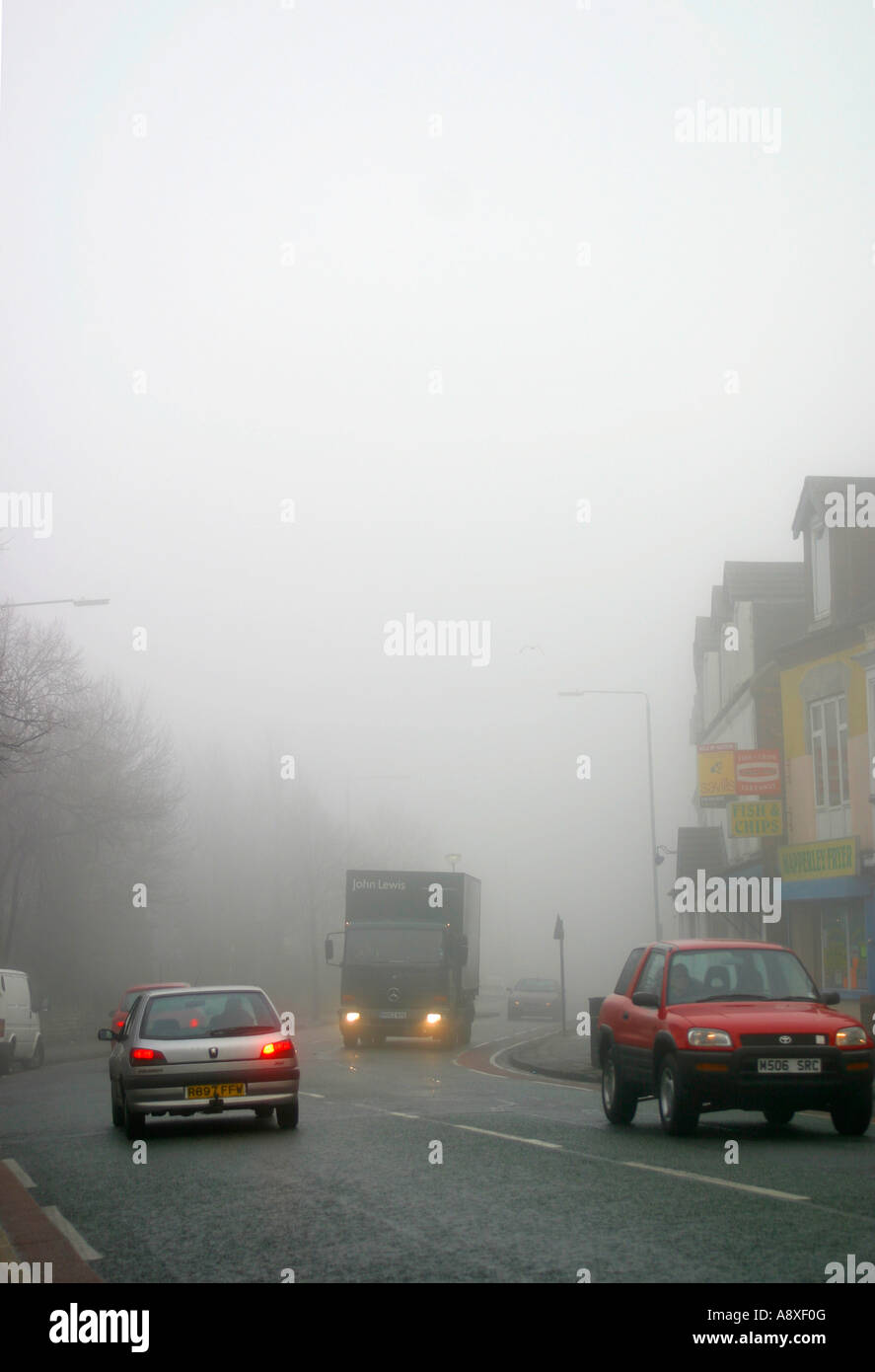 Fog on Nottingham'sroads – the Woodborough Road, Mapperley - Stock Image