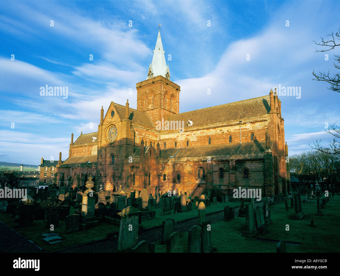 The Cathedral of St. Magnus in the Orkney Island capital of Kirkwall dates from 1137. Mainland, Orkney, Scotland - Stock Image