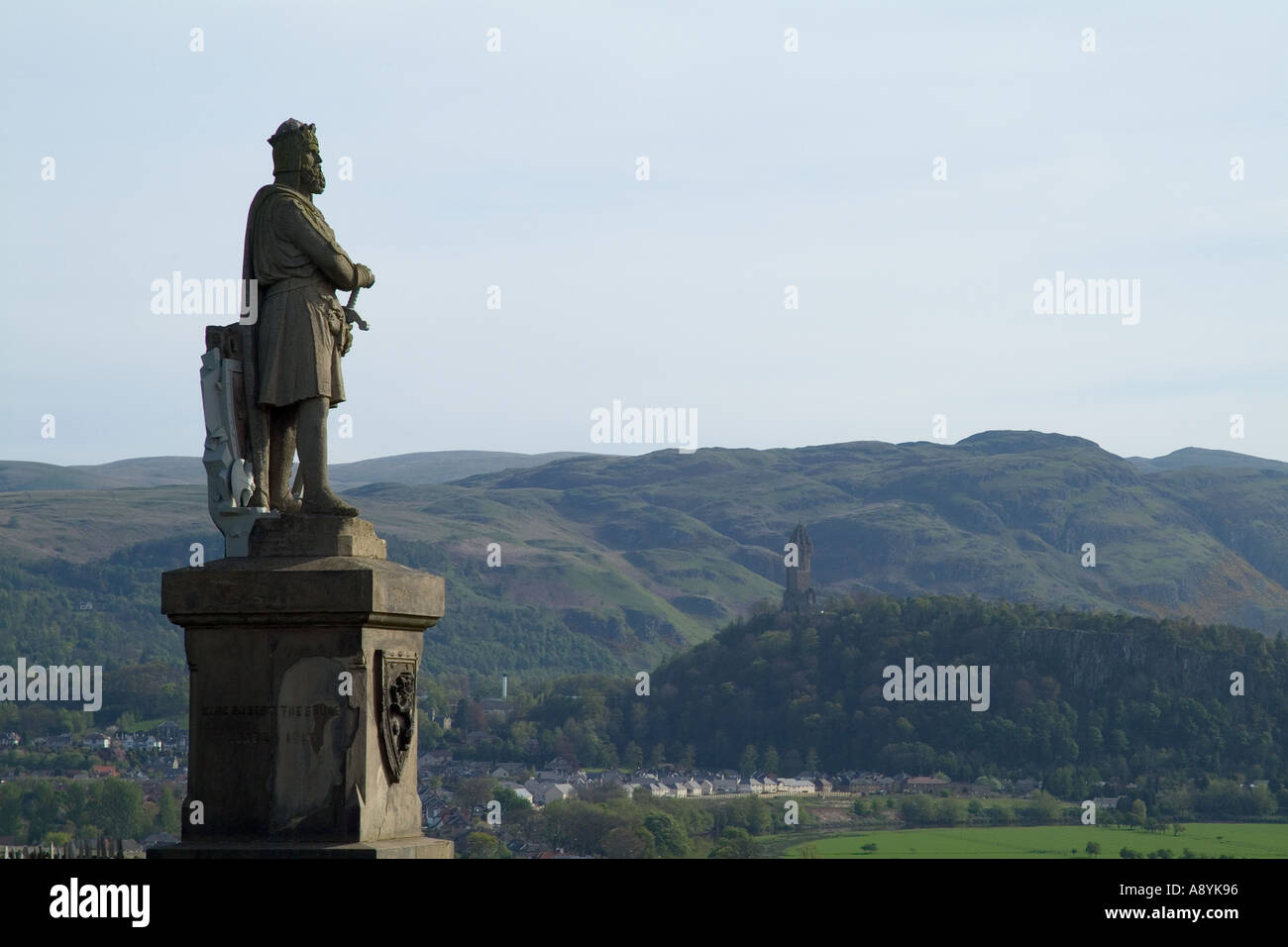 dh King Robert the Bruce statue STIRLING STIRLINGSHIRE Outside Castle Wallace memorial scottish figures historical scotland patriot monument scots Stock Photo