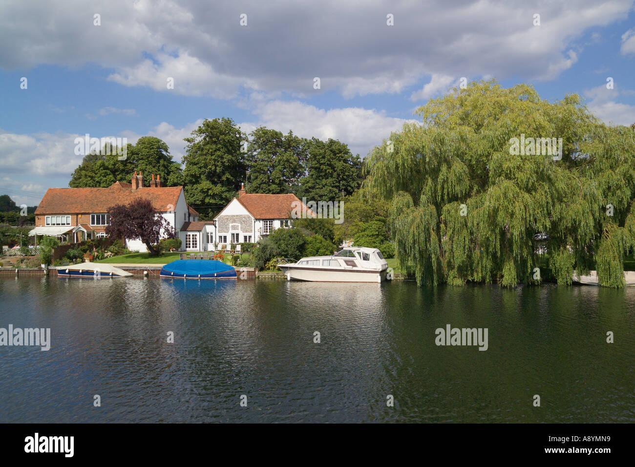 River Thames Hambleden Lock Buckinghamshire England Stock Photo
